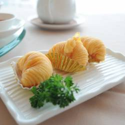 Amy's travel gallery... | HongKong | Prince Restaurant | 大根のパイ Deep fried turnips pastries